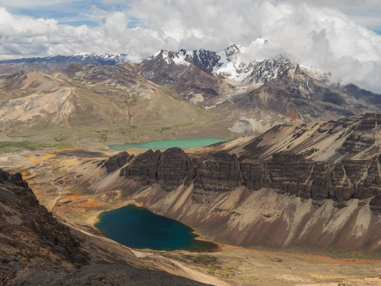 View from Chacaltaya at 4,300 meters, Near La Paz, Bolivia-unsplash
